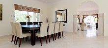 villa-dining-room
